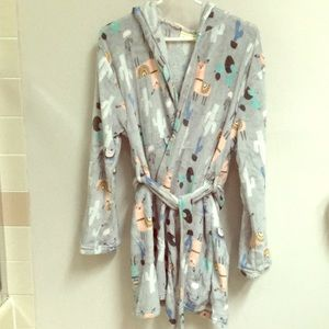 NWT! Super Soft Plush Robe w/ Belt at Waist & Hood